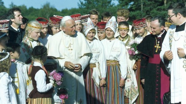 Pope John Paul II visits Latvia's Catholic minority in their holiest shrine at Aglona, 1993