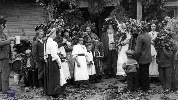 Latvian peasants celebrating Līgo ethnic holiday
