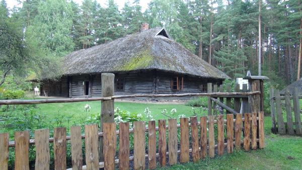 Large home with iconic roof in Riga Skansen