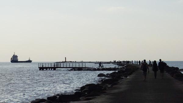 A stroll on Riga breakwater